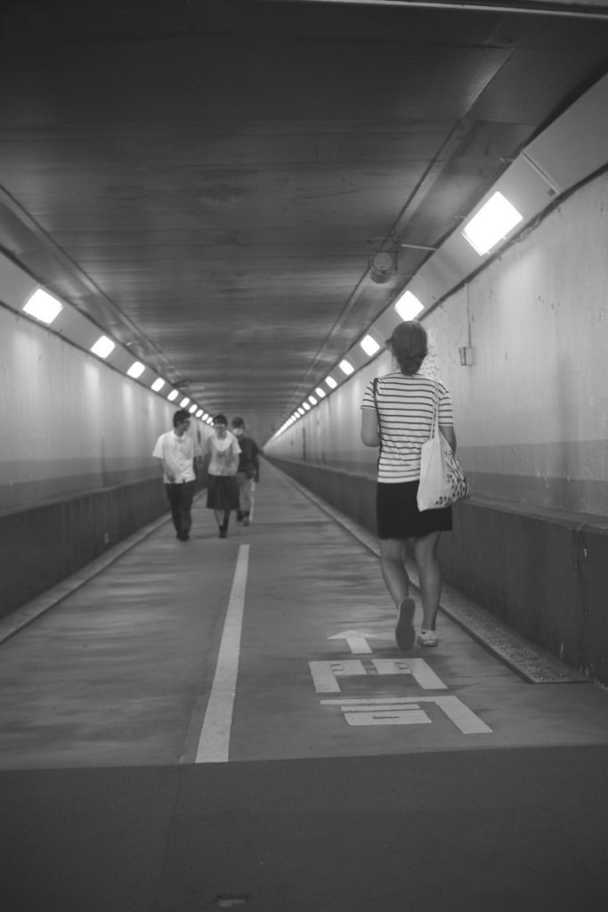 関門トンネル人道にて